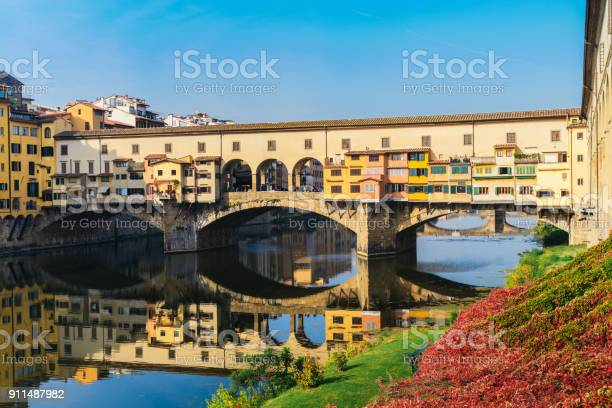 Ponte vecchio florence italy picture id911487982?b=1&k=6&m=911487982&s=612x612&h=628 pn7bxvceerejq domryuwikjvgrb1gvco6n4byi=