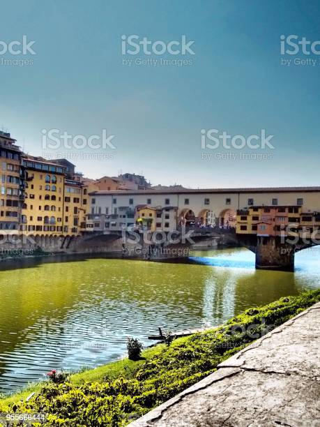 Ponte vecchio florence italy picture id955666444?b=1&k=6&m=955666444&s=612x612&h=s  xtx7g6bjwlwkkwsoakgkr8n0kdtexwh4cwn jscy=