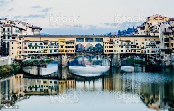 Ponte vecchio picture id876646160?b=1&k=6&m=876646160&s=612x612&h=v5tpff47hrb7exumoh1zm9pwxm74jjeewhxjune2djm=