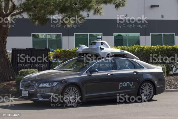 Ponyais self driving car picture id1219304622?b=1&k=6&m=1219304622&s=612x612&h=ruiujshtnmbo9kmzsknznyljdbqeqdfm4hdvzs4jp7i=