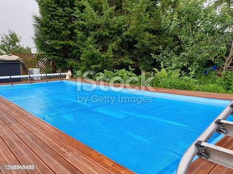 Pool cover for winter protection