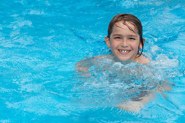 Schwimmbad glücklich – Foto