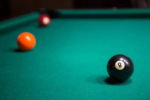 - pool - filzkugeln stock-fotos und bilder