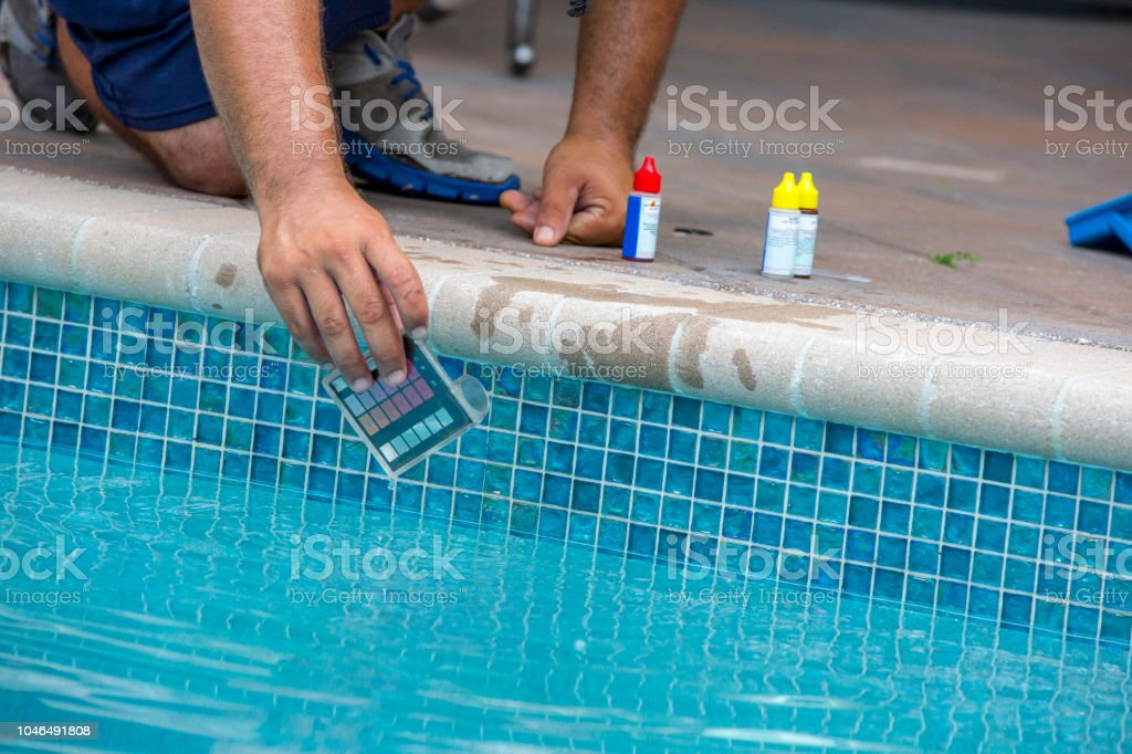 Pool Testing Kit Being Used In A Swimming Pool Stock Photo & More ...
