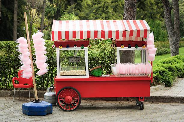 Pop-corn et Barbe à papa fournisseur de panier - Photo