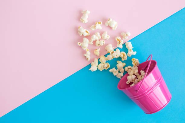Palomitas de maíz en puede comida y bebida abstracta. - foto de stock