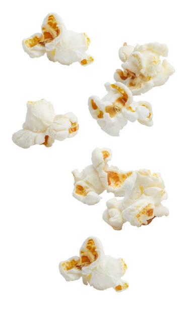 popcorn op wit - popcorn stockfoto's en -beelden