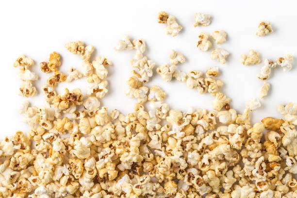 Popcorn white background - fotografia de stock