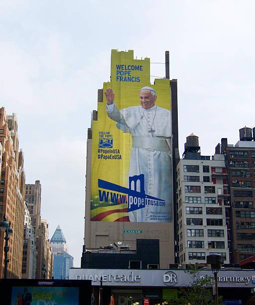 pope advertisement new york wall - pope francis stok fotoğraflar ve resimler