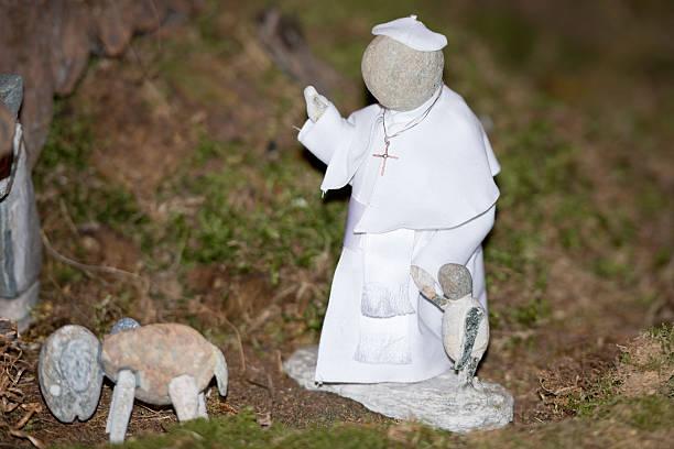 papież franciszek kamień statue - pope francis zdjęcia i obrazy z banku zdjęć
