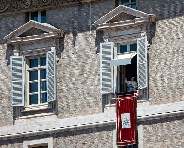 pope speaking on the feast of saints peter and paul - pope francis stok fotoğraflar ve resimler