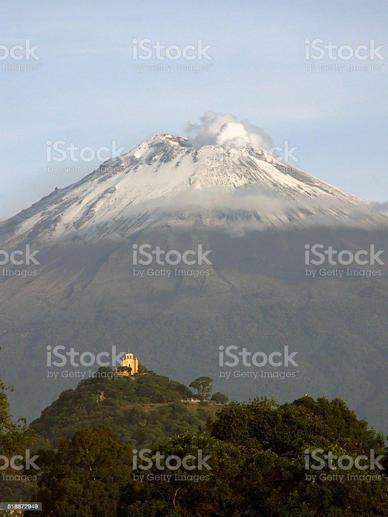 Paisaje, volcán activo volcán Popocatepetl cráter volcánico de Landform - foto de stock