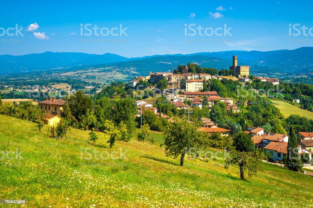 Poppi medieval village panoramic view. Casentino Arezzo, Tuscany Italy - foto stock