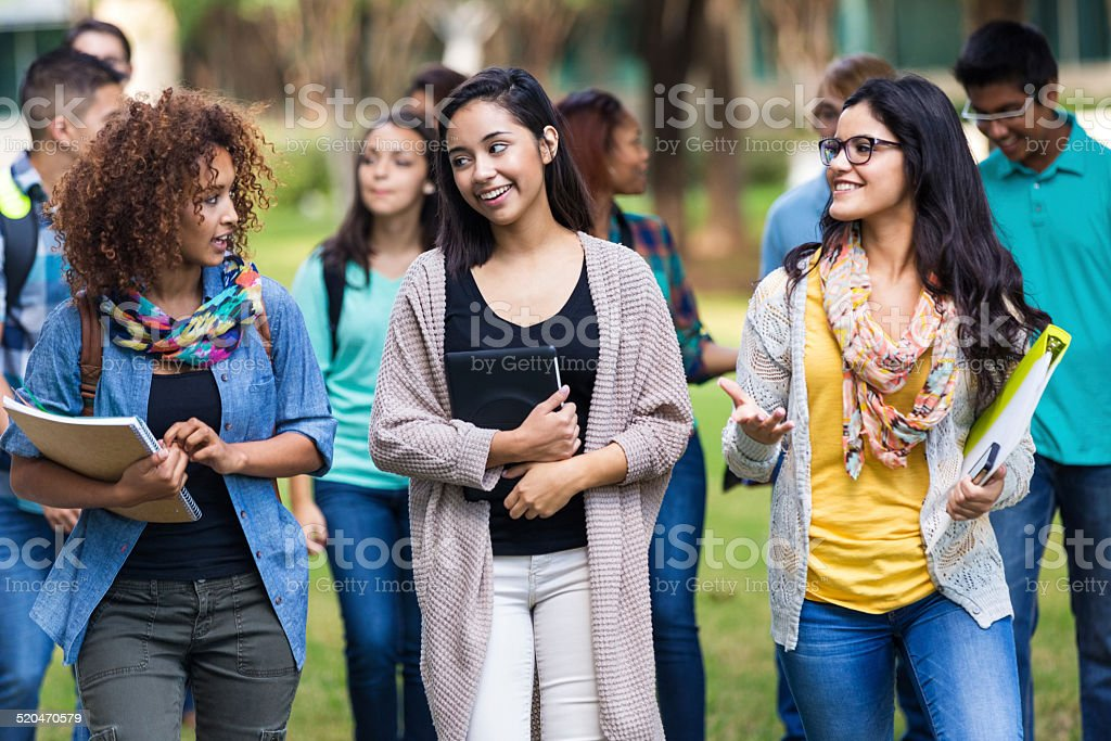 Fotografía de Populares De La Universidad O Escuela Secundaria ...