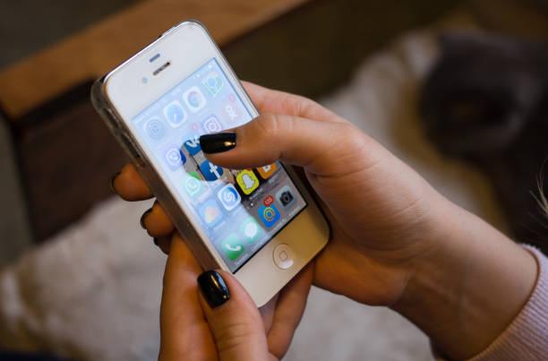 popular social networks on the smartphone screen - instagram стоковые фото и изображения