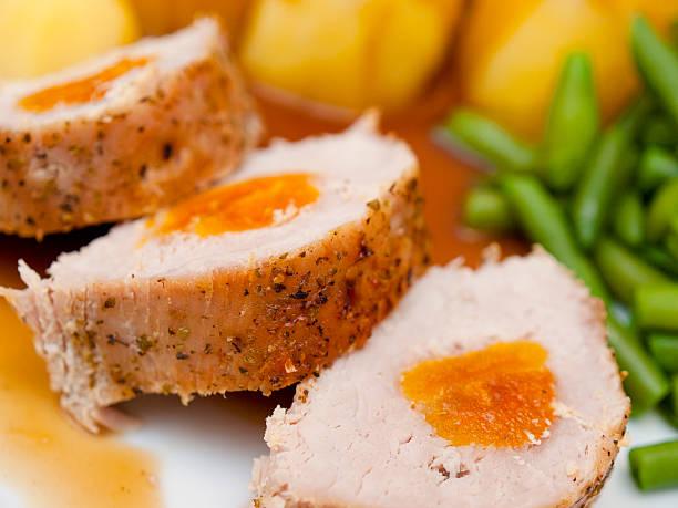 Schweinefleisch Lende mit Aprikose – Foto