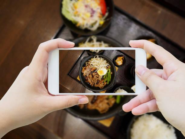 schweinefleisch mit ei und gemüse teppanyaki-japanische küche - teppan yaki grill stock-fotos und bilder