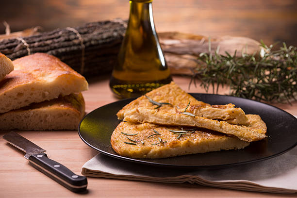 Farinata Cecina, Farinata, Calda Calda farinata stock pictures, royalty-free photos & images