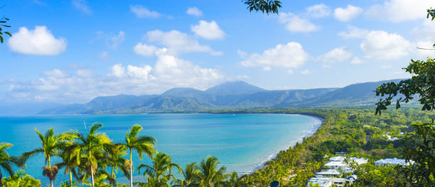 port douglas in north queensland, australia on a perfect day - bay of water stock pictures, royalty-free photos & images