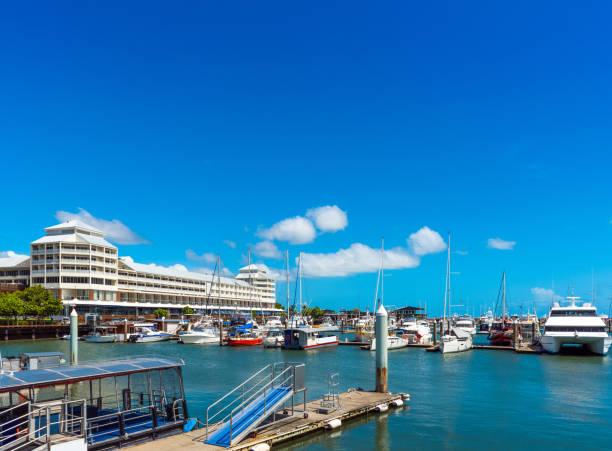 Hafen in Cairns, Australien. Kopierbereich für Text – Foto