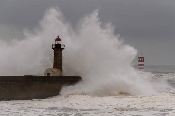 port lighthouse - rain clouds porto portugal imagens e fotografias de stock