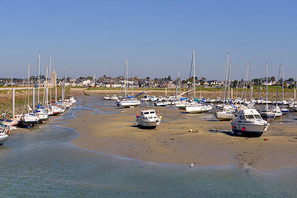 Port of Port-bail in France Port at low tide of Port-Bail or Porbail, a commune in the peninsula of Cotentin in the Manche department in Lower Normandy in north-western France cherbourg stock pictures, royalty-free photos & images
