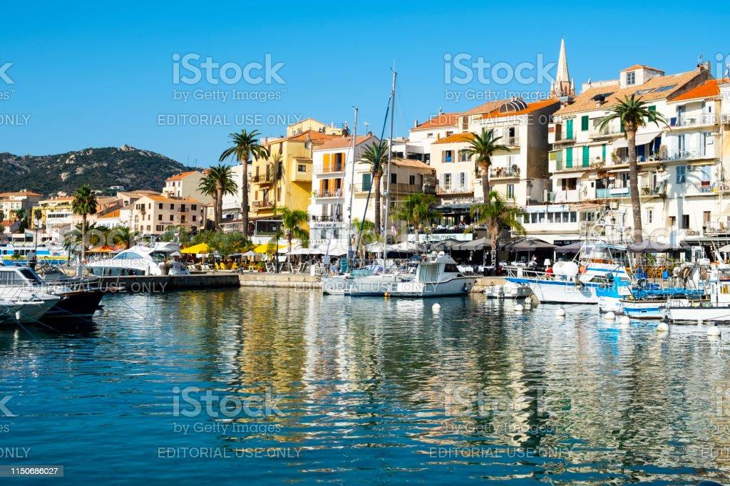 Hafen von Porto-Vecchio, in Korsika, Frankreich - Lizenzfrei Anlegestelle Stock-Foto