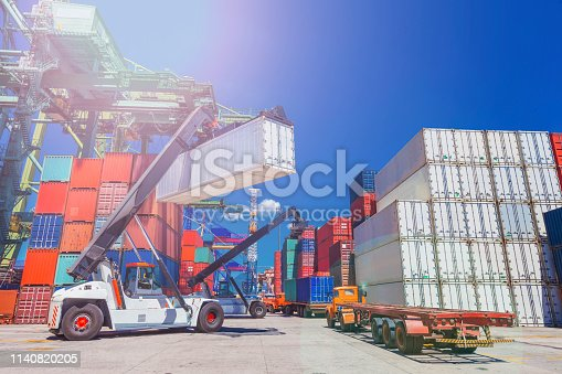 Moving container