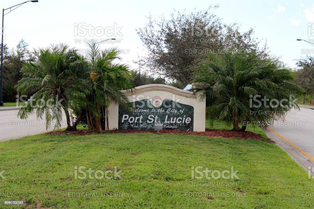 Port St Lucie Florida Willkommen Schild Stockfoto und mehr Bilder ...