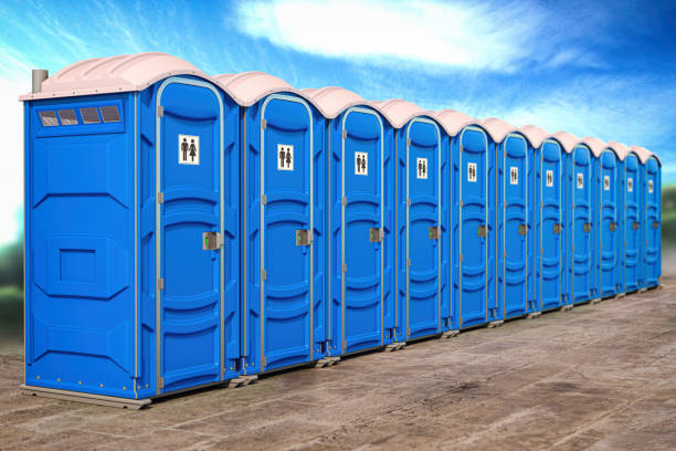 Portable plastic toilets in a row. Portable plastic toilets in a row. 3d illustration portable toilet stock pictures, royalty-free photos & images