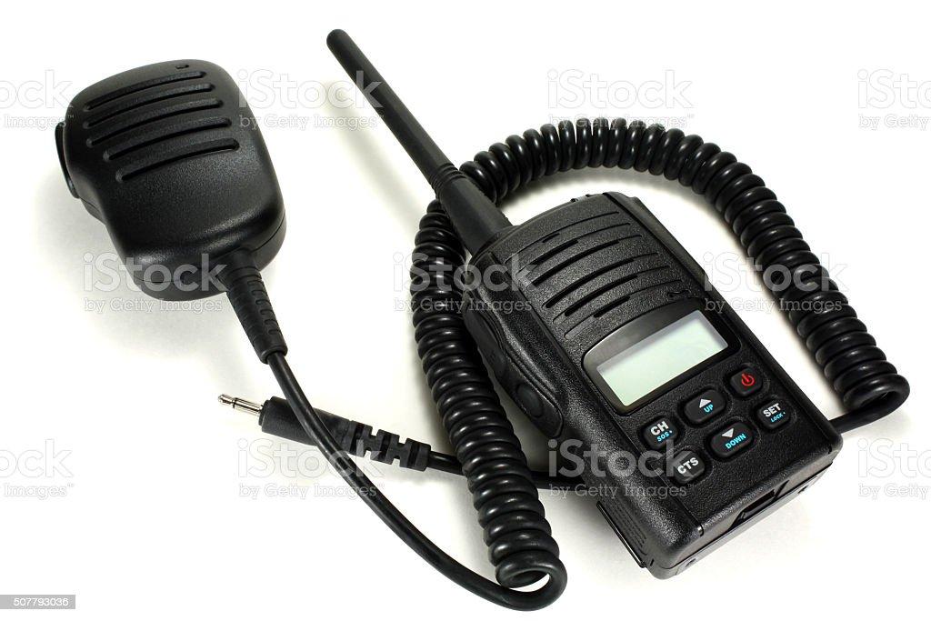 Tragbare Walkie-Talkie mit Handheld Mikrofon isoliert auf ein Weißer Hintergrund – Foto