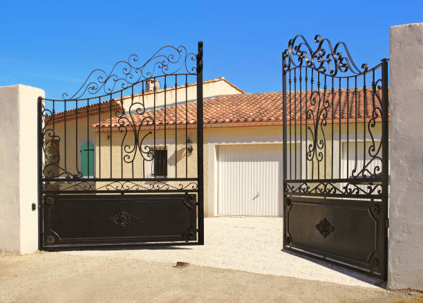 portail - open gate stock photos and pictures