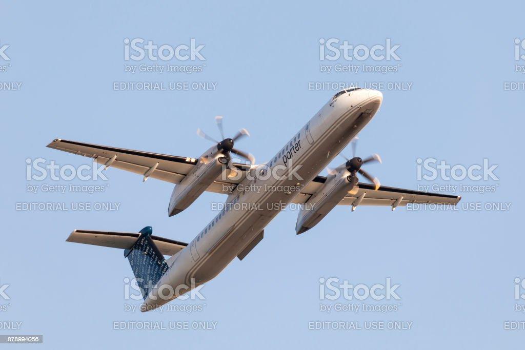 Porter Airlines Bombardier Dash 8 Lizenzfreies stock-foto