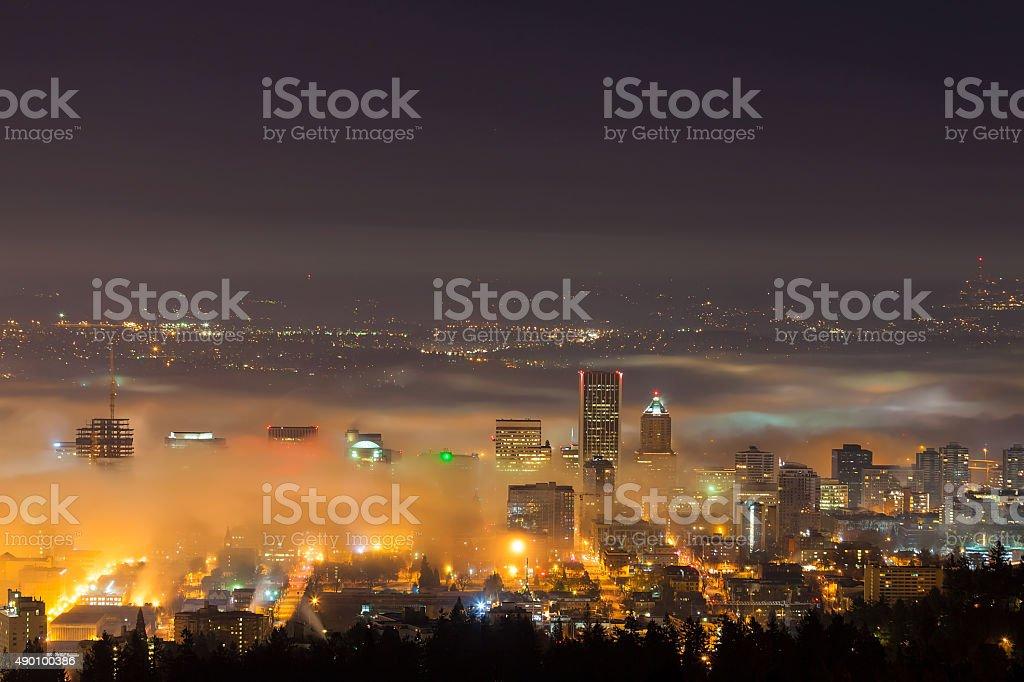 Portland Oregon Skyline am Morgen Nebel – Foto