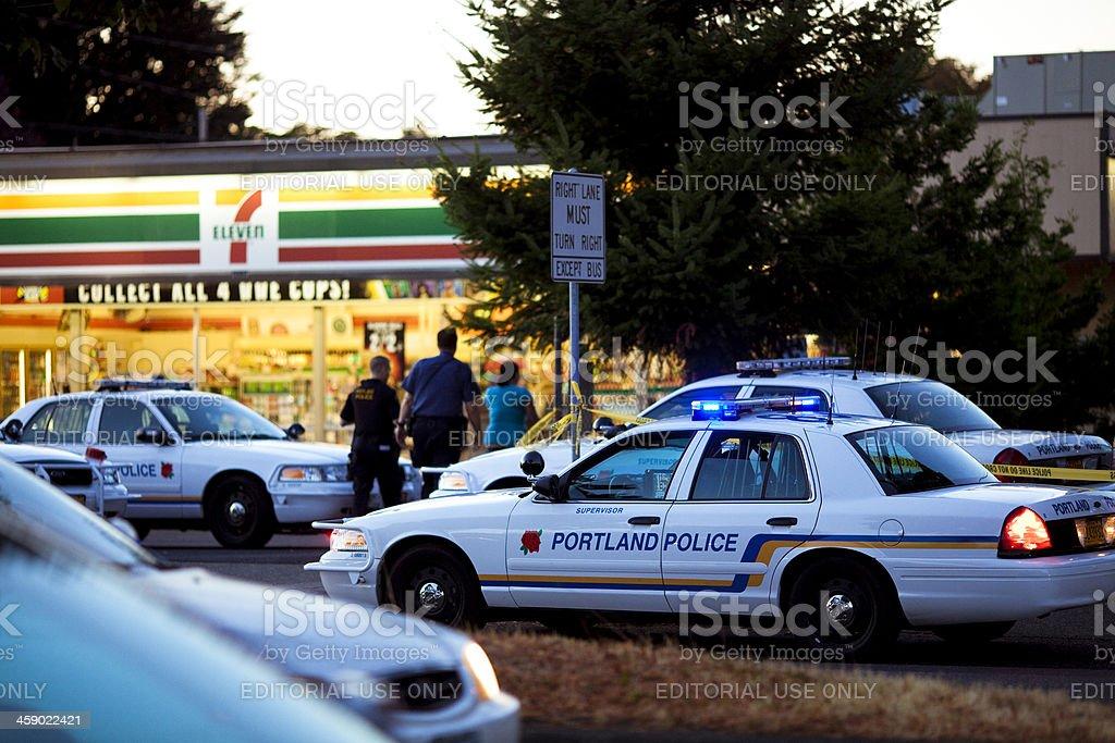 ポートランドの警察の車は犯罪シ...