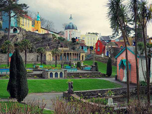 portmeirion gardens - caernarfon and merionethshire stockfoto's en -beelden