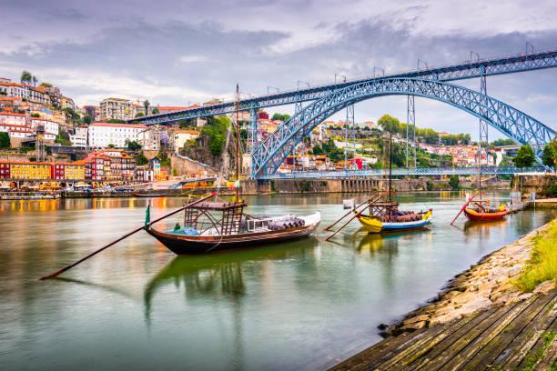 porto, portugal-rivierzicht - portugal stockfoto's en -beelden