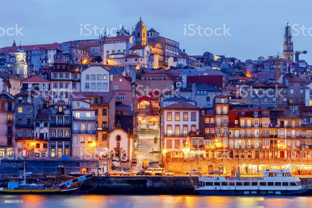 Porto. Quay at night - foto de acervo