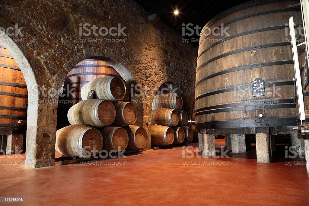Adega de vinhos Porto - foto de acervo