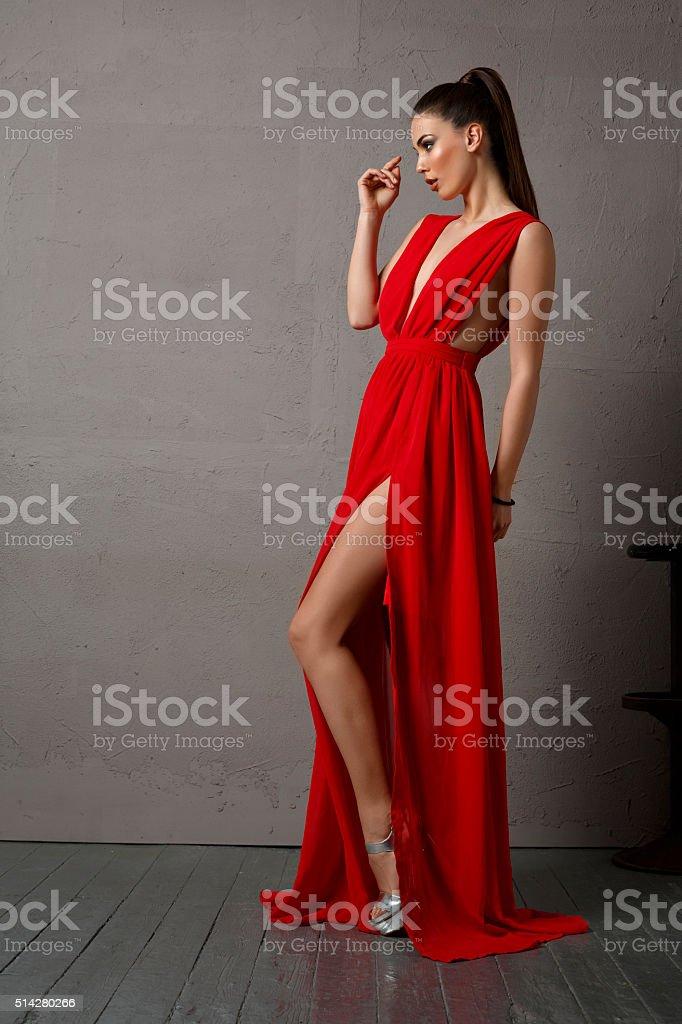 Frauen die kleider tragen