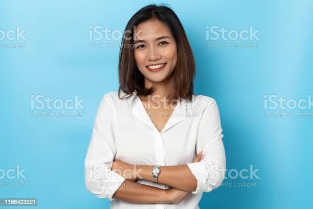 Portrait business woman asian on blue background picture id1166423321?b=1&k=6&m=1166423321&s=612x612&h=ncah7xmpovu1ffzo4uunmgz9uyspfszjwoceeoqimf4=