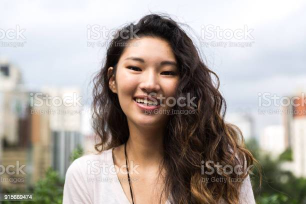 Portrait of a beautiful asian girl picture id915669474?b=1&k=6&m=915669474&s=612x612&h=d09czv2sx0g3fdgmw16 kve3f7yyrhxldqtkyt54s u=