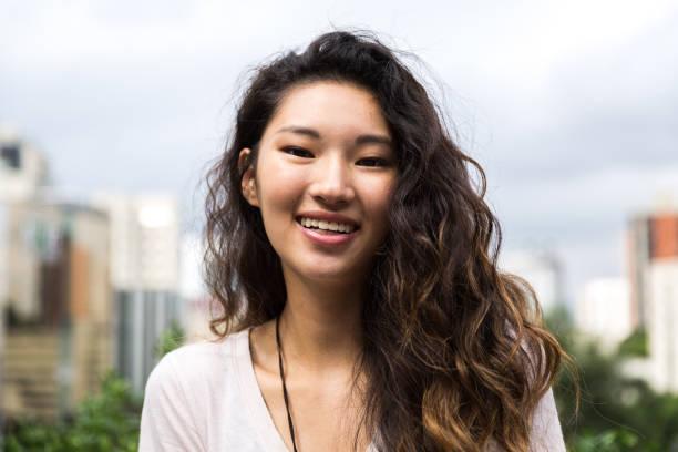 美麗的亞洲女孩的肖像 - 少女 個照片及圖片檔