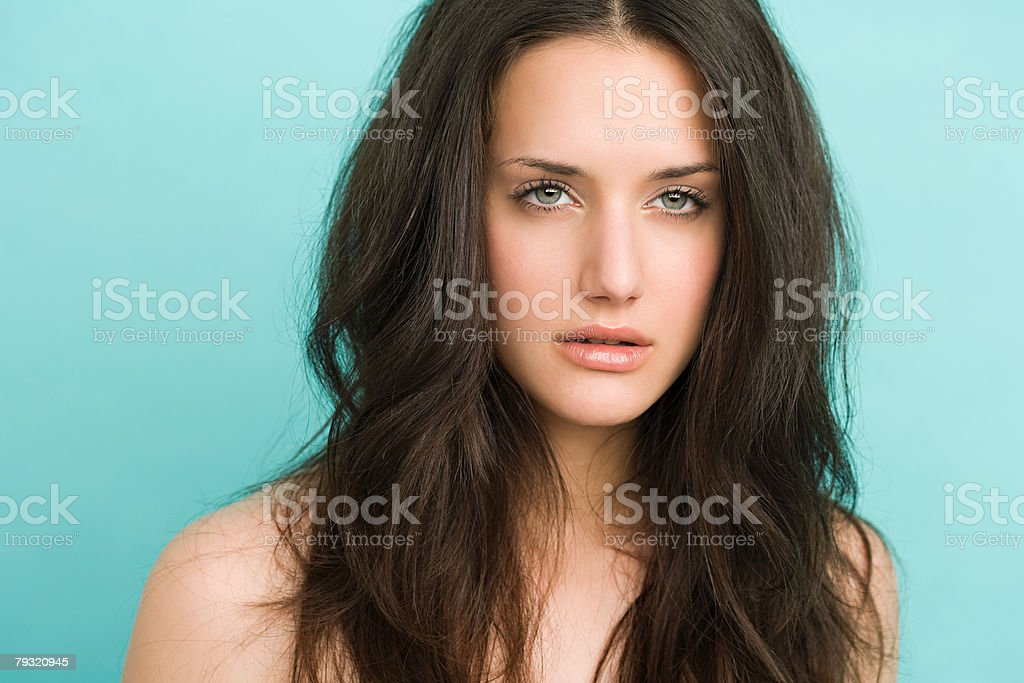 Portrait of a beautiful brunette woman royalty-free 스톡 사진