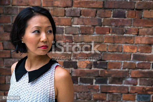 519052198 istock photo Portrait of a beautiful Japanise woman in Kyoto, Japan. 578295104