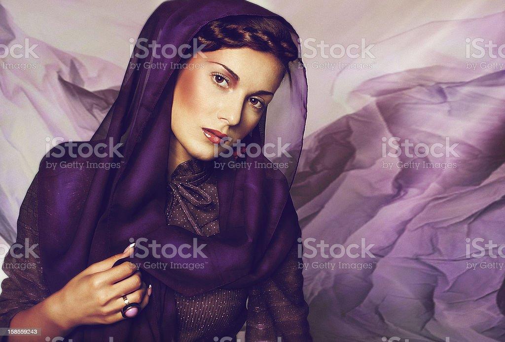 세로는 아름다운 젊은 여자 royalty-free 스톡 사진