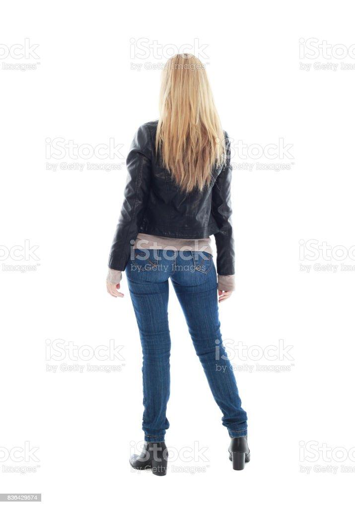 Portrait d'un modèle blond portant blouson de cuir et vêtements décontractés - Photo