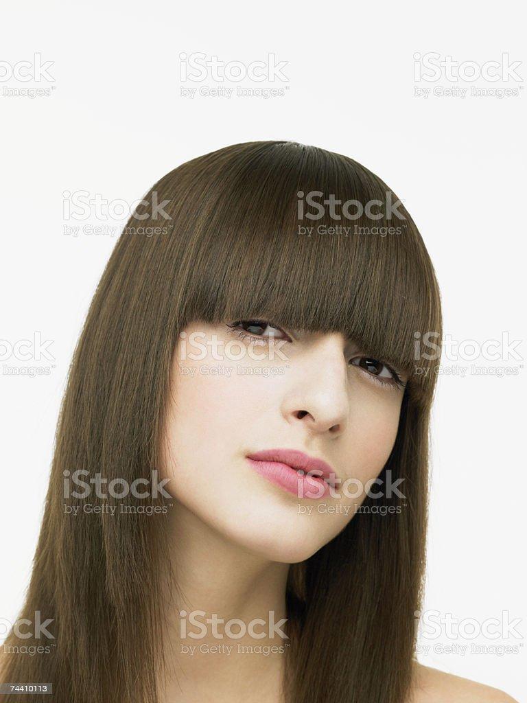 Retrato de uma jovem mulher brunette foto de stock royalty-free