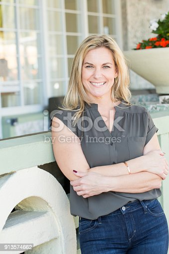 825083304 istock photo Portrait of a confident woman smiling. 913574662