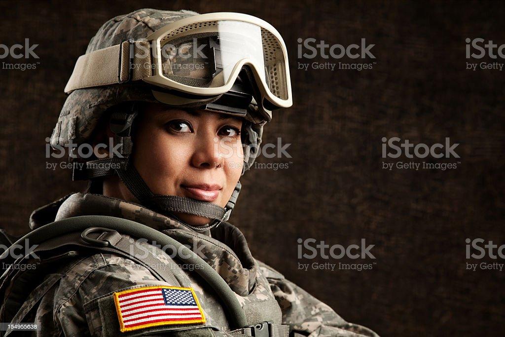 Портрет женщины с нами военные солдат стоковое фото